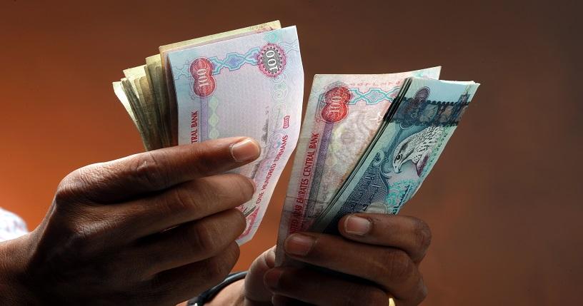 سكان الإمارات يواجهون ارتفاع تكاليف المعيشة في ظل انخفاض الأجور