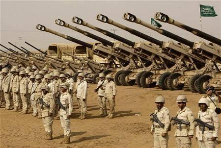 صحيفة إماراتية تناقض نفسها: القاعدة تقاتل إلى جانب التحالف العربي في اليمن