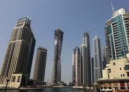 وزارة المالية في الإمارات تنفي فرض ضرائب على الدخل أو أي رسوم إضافية