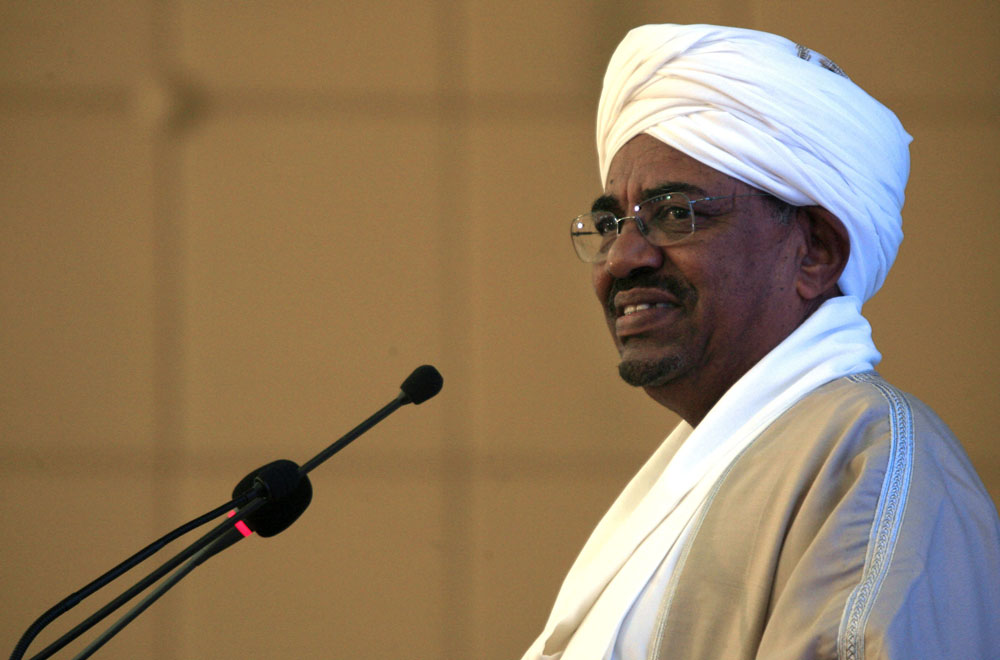 الرئيس السوداني يبحث مع وزير الطاقة الإماراتي تطوير المشروعات التنموية
