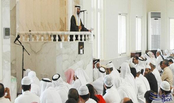 رئيس الدولة يصدر قانون تنظيم ورعاية المساجد الذي يكرس الهيمنة الأمنية عليها