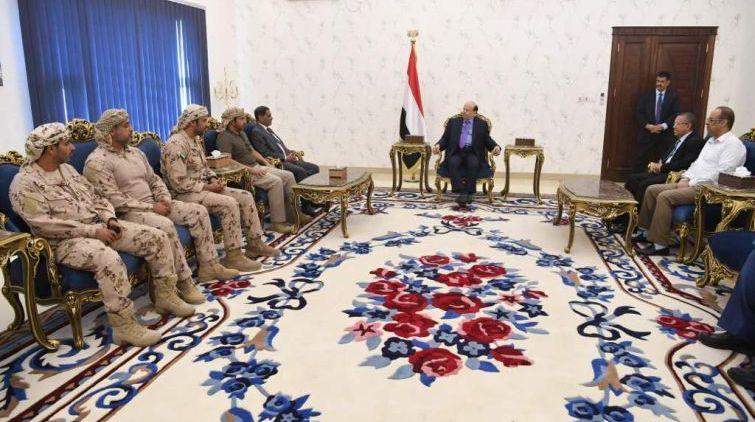 هادي يلتقي قيادات عسكرية وأمنية إماراتية في عدن