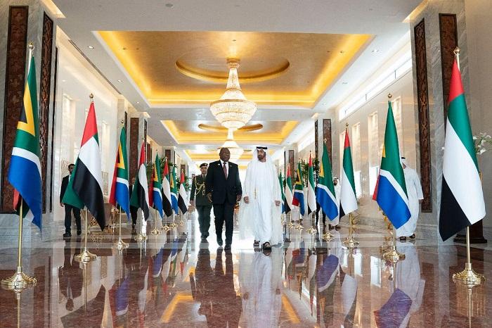 محمد بن زايد يستقبل رئيس جنوب أفريقيا ويبحث معه العلاقات الثنائية