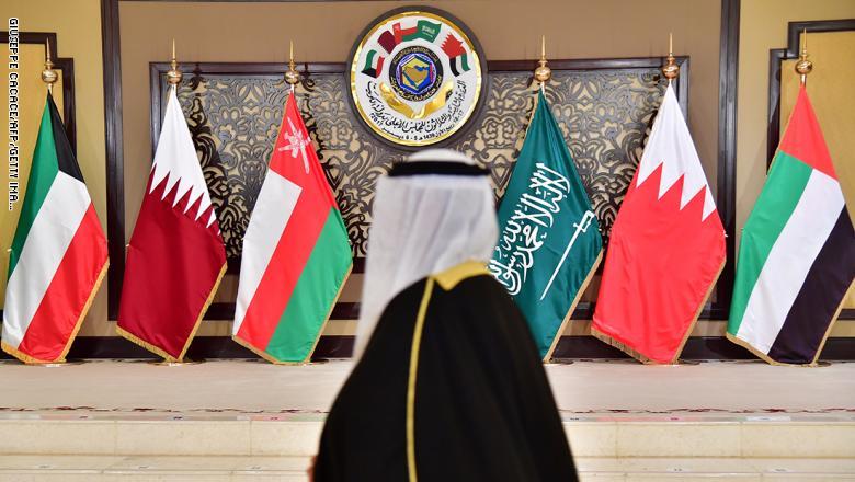 قرقاش: الأزمة الخليجية لا بد أن تنتهي لكن من خلال معالجة أسبابها