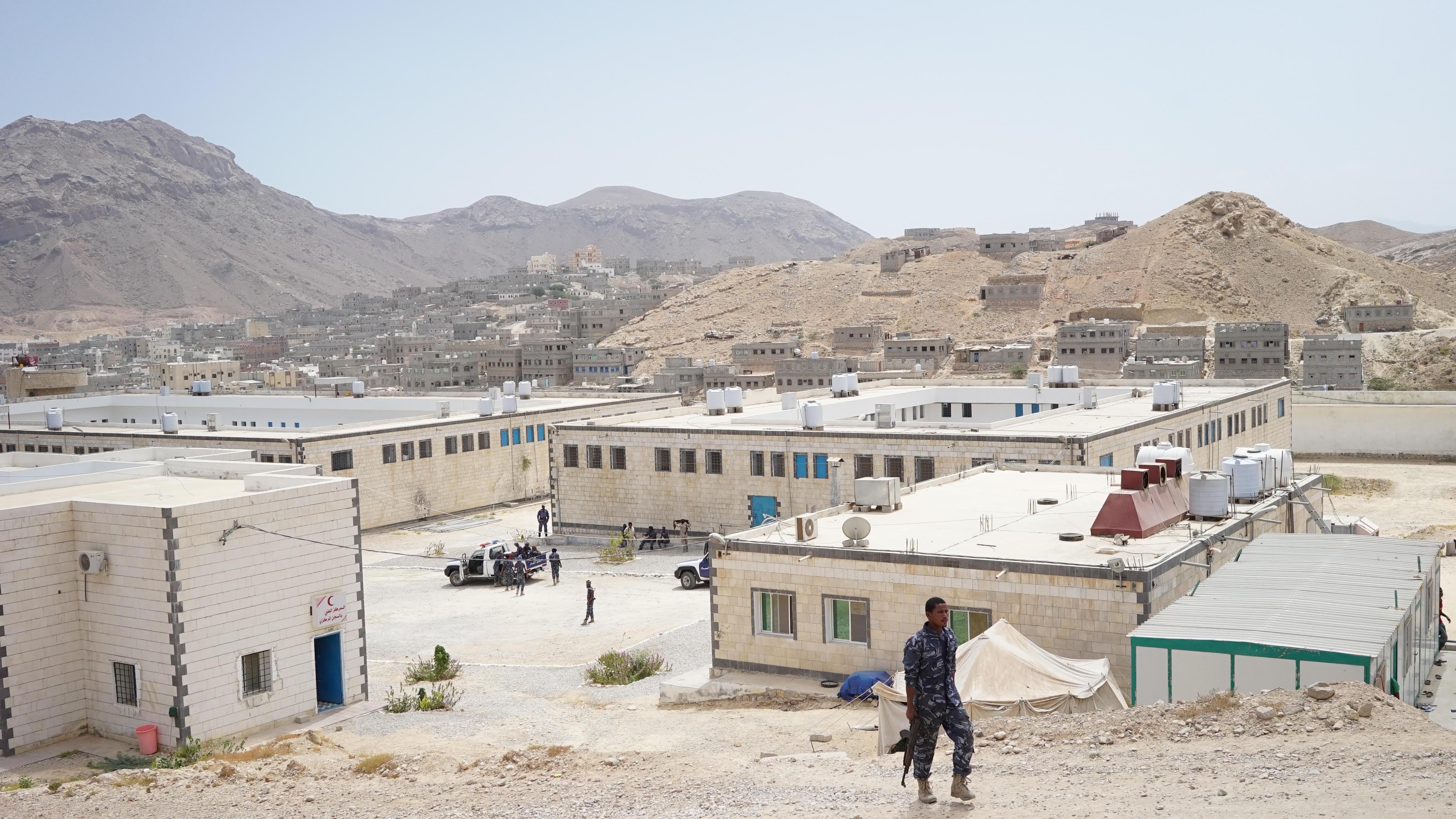 (واشنطن بوست).. الإمارات تعمل على تقسيم اليمن وحولت