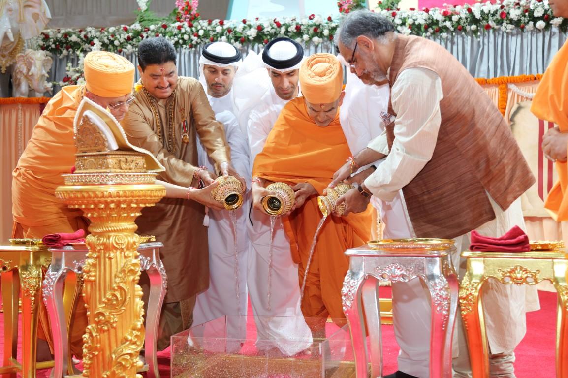 الإمارات تضع حجر الأساس لأول معبد هندوسي في أبوظبي