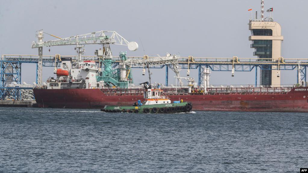 البنتاغون: الحرس الثوري الإيراني نفذ هجوم الفجيرة الإماراتية عبر ألغام لاصقة