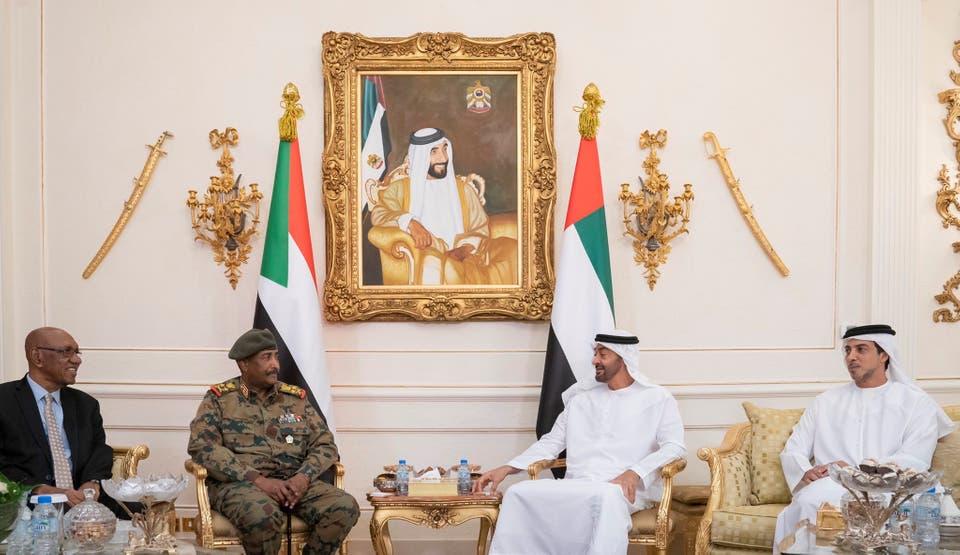الغارديان: أبوظبي والرياض تعملان بجد لإحباط آمال السودانيين بالتغيير