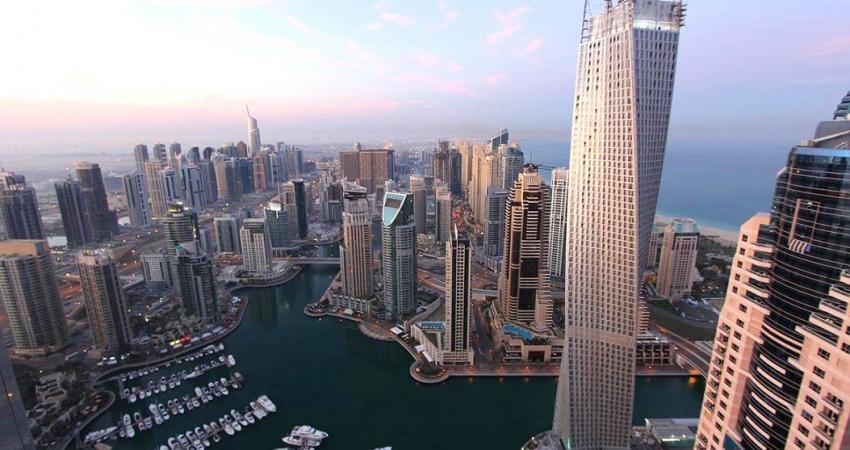 استمرار التعثر الاقتصادي في دبي وأزمة ديون بمليارات الدولارات تلوح في الأفق