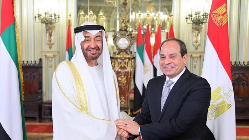 محمد بن زايد يصل إلى القاهرة ويبحث مع السيسي التطورات في المنطقة
