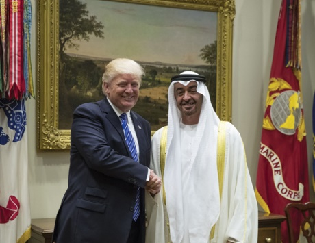 هل حقاً تحاول سياسة الإمارات الخارجية ابتلاع أكبر مما تستطيع مضغه؟!
