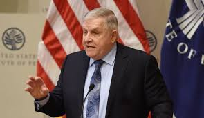 تزامناً مع جولة بومبيو للمنطقة...استقالة المبعوث الأمريكي لحل الأزمة الخليجية