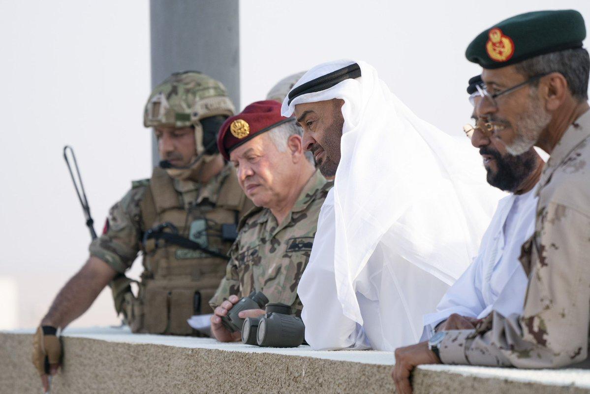محمد بن زايد والعاهل الأردني يشهدان التمرين العسكري المشترك لقوات البلدين