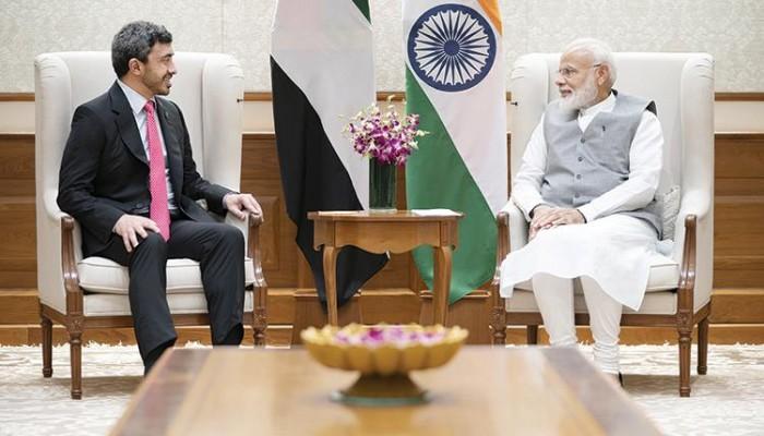عبدالله بن زايد يبحث مع رئيس الوزراء الهندي تعزيز التعاون والتطورات الإقليمية