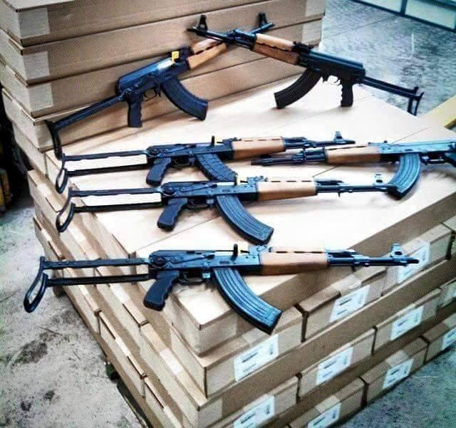 حكومة اليمن تتهم الإمارات باستخدام موانئها لتهريب الأسلحة للإنفصاليين