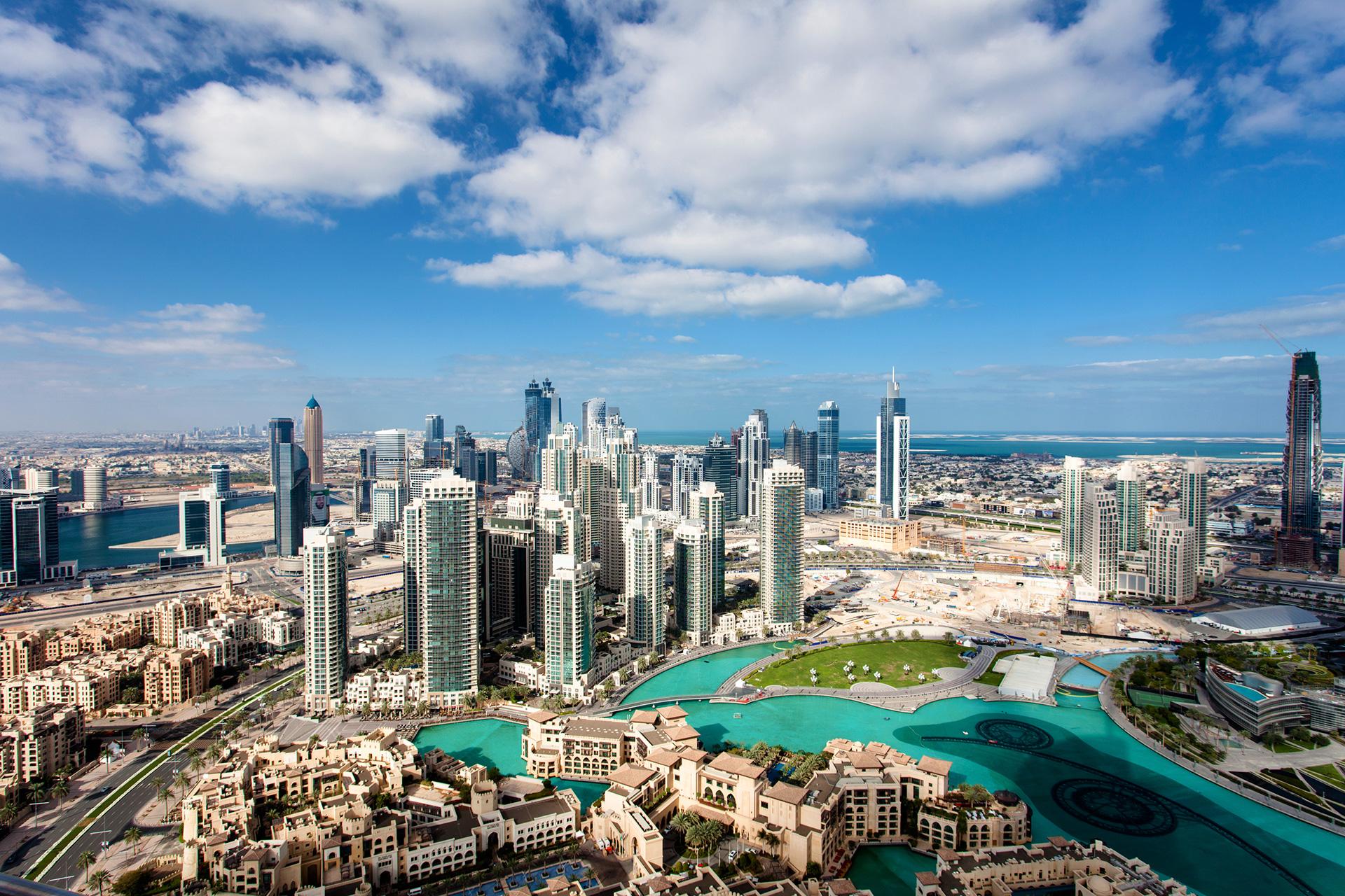 أبوظبي تستحوذ على أبرز 5 فنادق في دبي