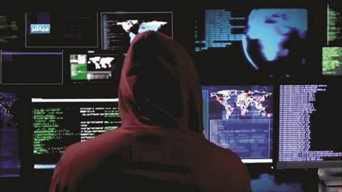 إندبندنت: بريطانيا تبيع برامج تجسس ورقابة إلى 17 دولة قمعية منها السعودية والإمارات