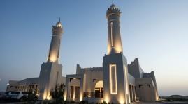 المساجد في الإمارات بين