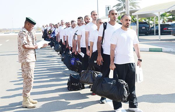 """أبناء المواطنات يدفعون دماءهم لأجل الدولة.. والجنسية الإماراتية لـ""""المرتزقة"""" وأبنائهم"""
